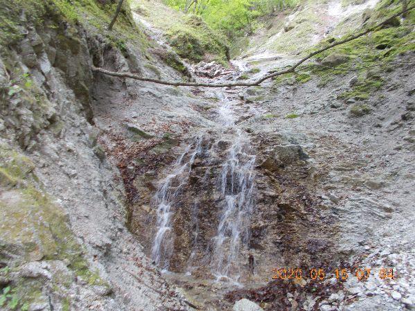 4段20m滝