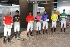 191020 川崎競馬所属騎手による募金活動-02