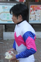 200101 2020年川崎競馬初日騎手お出迎え-04