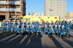 200102 箱根駅伝を先導する白バイ隊とばん馬のハクウンリュー-01