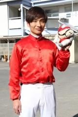 200103 山崎誠士騎手 1,400勝-03