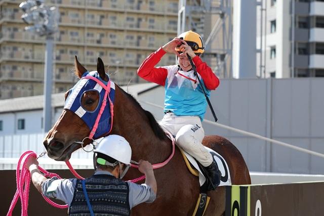 200129 ミカエル・ミシェル騎手 期間限定騎乗初勝利-03