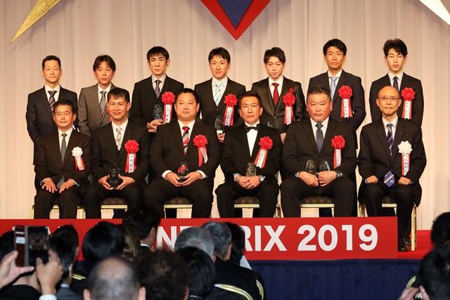 200217 NARグランプリ 受賞者記念撮影-01