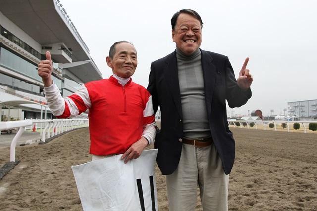 200304 森下博騎手 最年長勝利記録更新-09