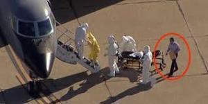 以下の写真は、道路で死亡しているのが確認されたとされるリベリアのエボラ犠牲者の写真です。