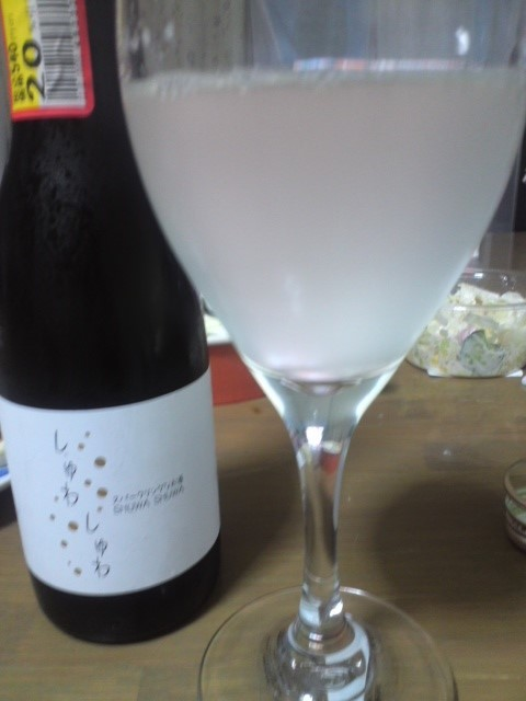 スパークリングなお酒 SHUWA SHUWA(しゅわしゅわ)