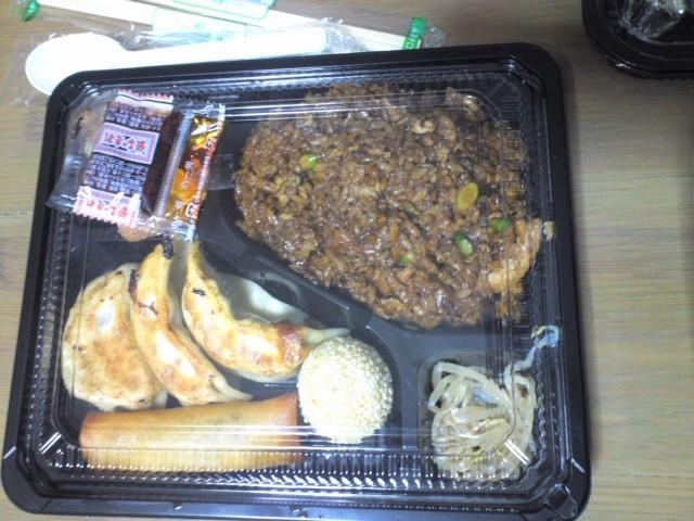 向陽飯店 角煮炒飯弁当