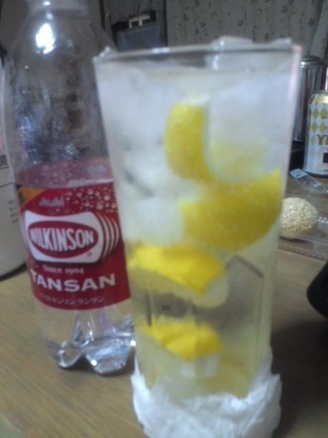 甲類焼酎でレモンサワー
