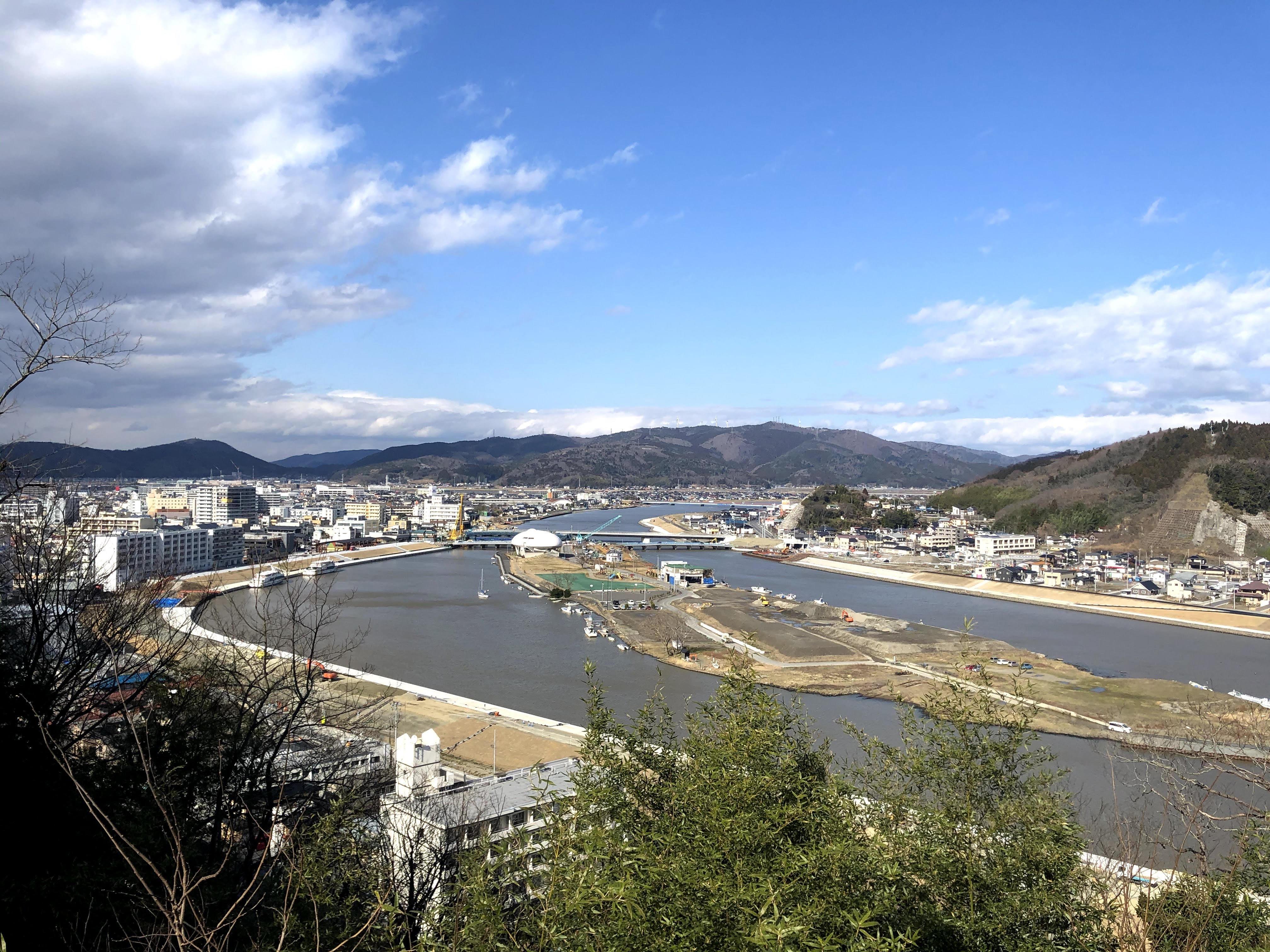 日和山から市内方向