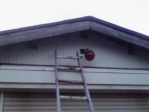 消防小屋 電球交換1