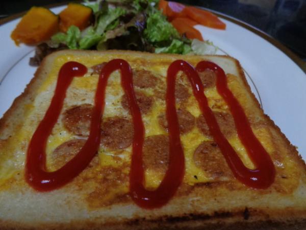 3/14 卵とソーセージのトースト