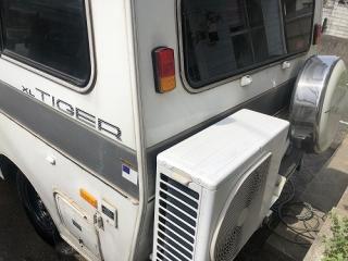 中泊 エアコン 車