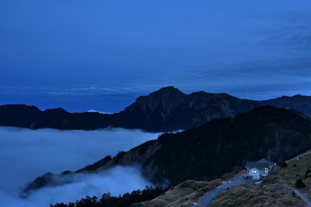 山荘と雲海(2)