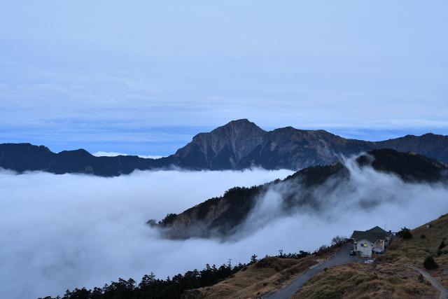 山荘と雲海(1)