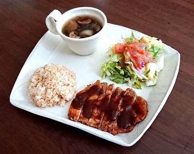 鶏肉の梅味噌焼きプレート