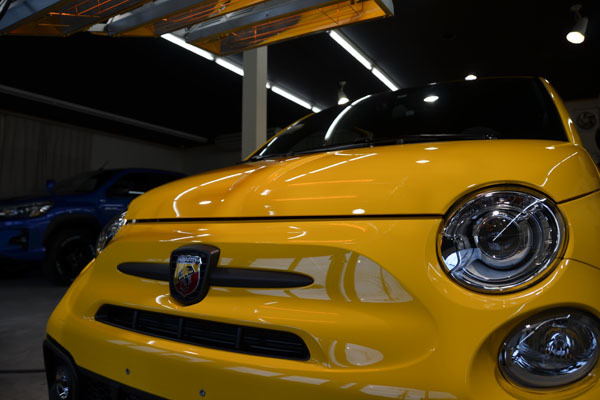 2002abarth595yellow02.jpg