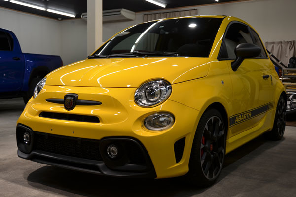 2002abarth595yellow09.jpg