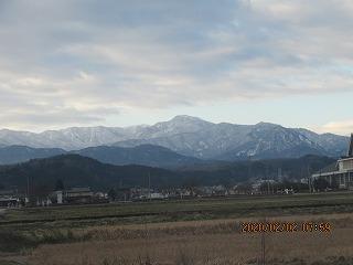 s-2・2、県境の山