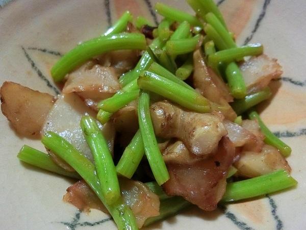 菊芋と春菊の茎炒め