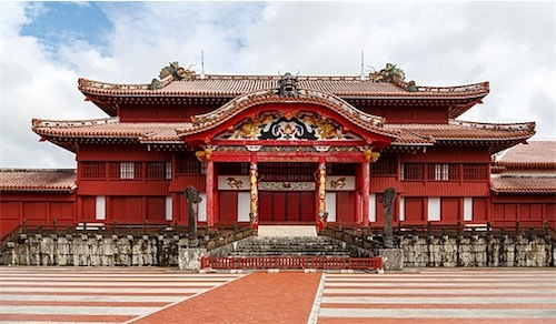 首里城正殿560px-Naha_Okinawa_Japan_Shuri-Castle-01