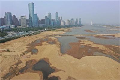 長江干ばつ