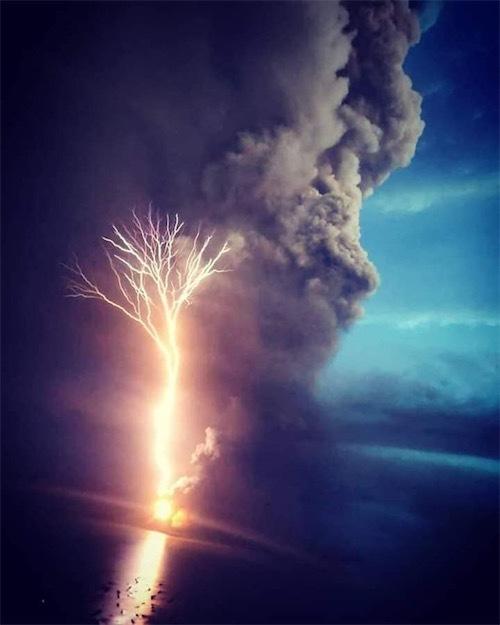 タール火山82897921_178480250169170_8214753260070764544_n