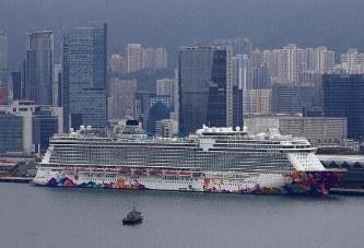 香港で足止めのクルーズ船