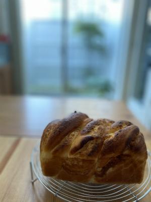 オレンジクリームねじりパン2