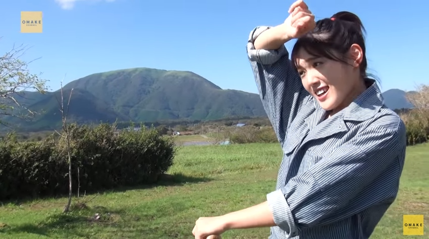 小関舞《イメージ映像》 ミニ!グリーティング07