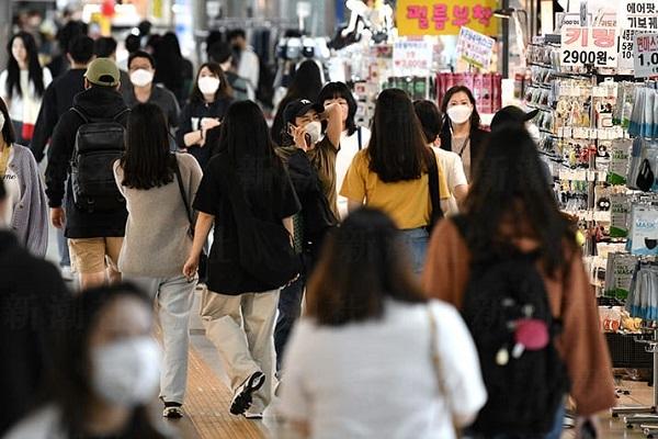 20200513 K防疫が崩壊!ゲイバー集団感染!約2千人と連絡取れず警察が追跡!文在寅「韓国が世界になった」