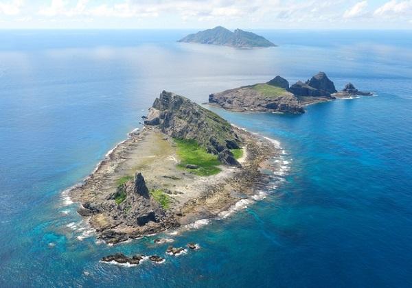 中国公船4隻、尖閣沖で領海侵入 海保の警告で退去