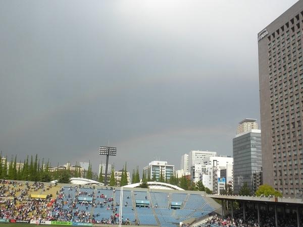2017年4月29日東京青山の秩父宮ラグビー場に韓国代表二重の虹20170429秩父宮ラグビー場から