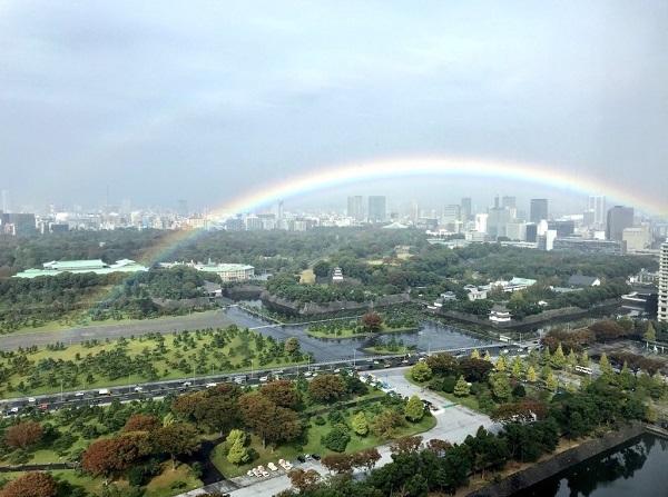 20191022天照大神!即位礼正殿の儀と共に雨がやみ、虹がかかり、日が差し、初冠雪の富士山が姿を現し、祝砲