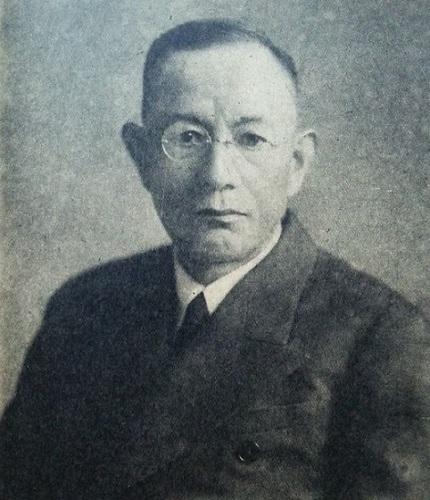 信夫 淳平(しのぶ じゅんぺい、明治4年9月1日(1871年10月14日) - 昭和37年(1962年)11月1日)は、日本の外交官、国際法学者。法学博士。