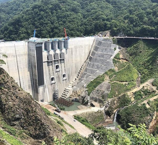 20131013民主党が建設中止させた八ッ場ダム、完成前に再開し今回さっそく最大級に活躍!事業仕分けは糞だった
