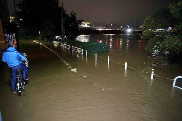台風19号で多摩川が氾濫した東京・二子玉川