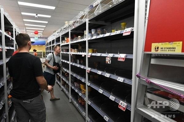 20200209シンガポールで買いだめ騒動!新型ウイルスでスーパーから商品が消える!韓国製ラーメンは売れ残る