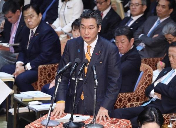 橋本厚労副大臣、マスク不足「品切れ緩和を働きかける」 新型肺炎