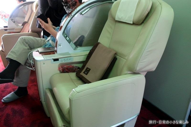 JAL ファーストクラス 機内