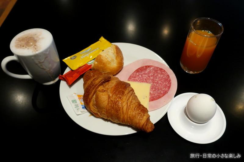 ミュンヘン ホリデーイン 朝食