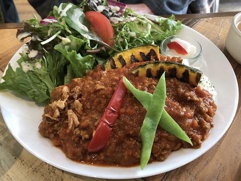 彩り野菜のトマトキーマカレープレート