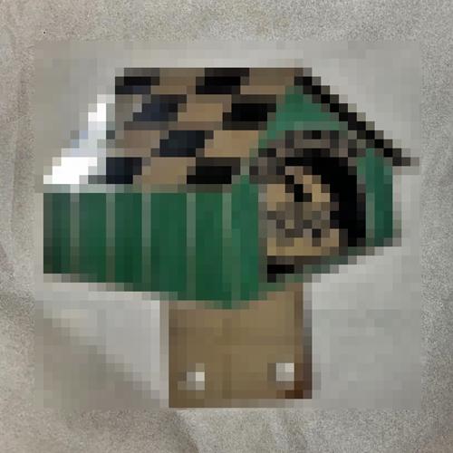 doghouse car badge