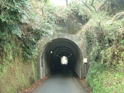 津留トンネル01