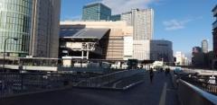 大阪駅の朝