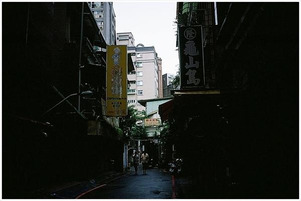 13n---台湾 迪化街  2019-9--30 contax t2 ベルビア50 1-87210028_R