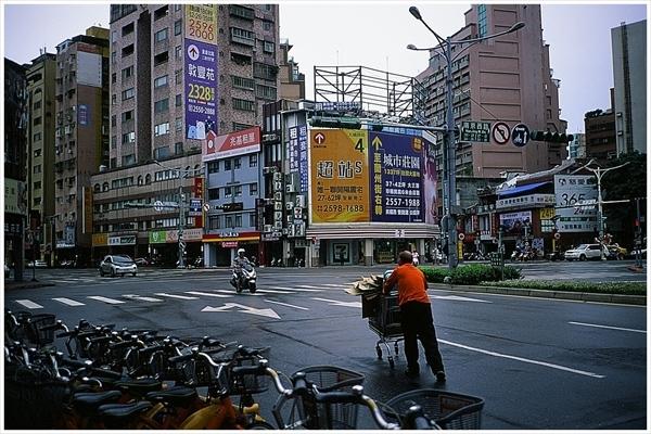 18n--台湾 迪化街  2019-9--30 contax t2 ベルビア50 1-87210025_R