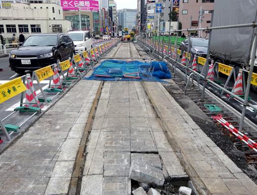 御茶ノ水のお茶の水橋に都電錦町線の線路跡が出現