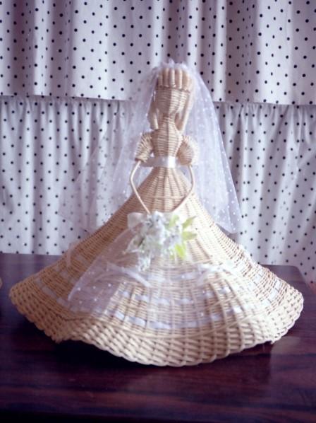 籐作品 ウェディングドレスの人形
