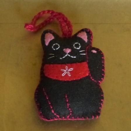 招き猫のチャーム 1