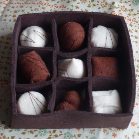 フェルト・チョコレート 箱 1